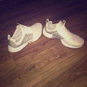 Size 11 white nike